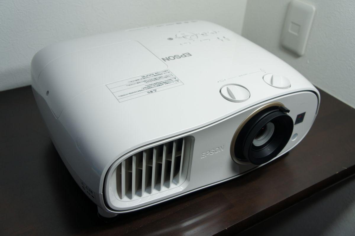 EH-TW6700レビュー!ホームシアター初心者やPJ入れ替えユーザーにオススメ!