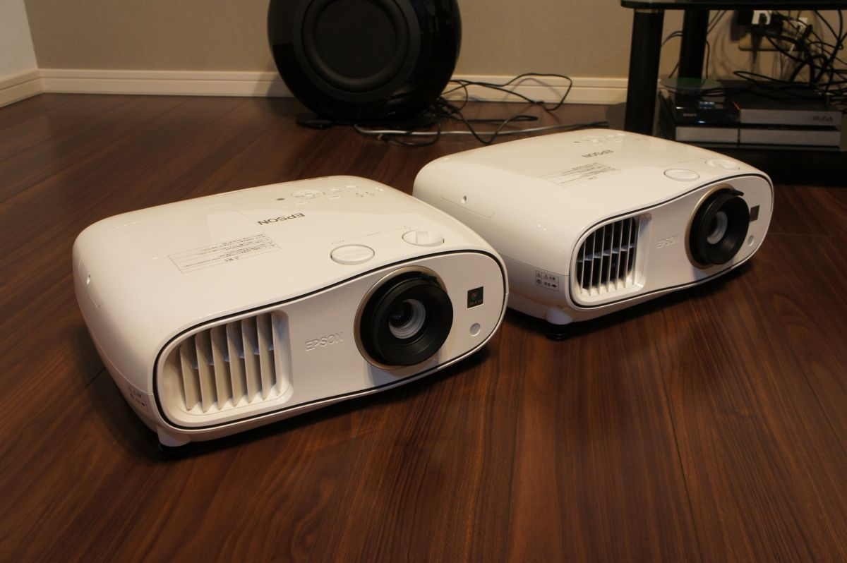 EH-TW6600とTW6700本体サイズ